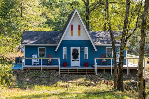 Granny's Hidden Cottage by Lake DeGray, AR