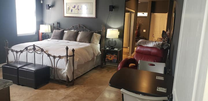 Cave Creek Private Suite with private access