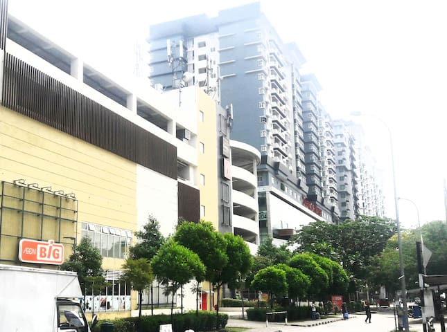 Cozy Place@ SubangJaya/ Sunway l Mall-LRT