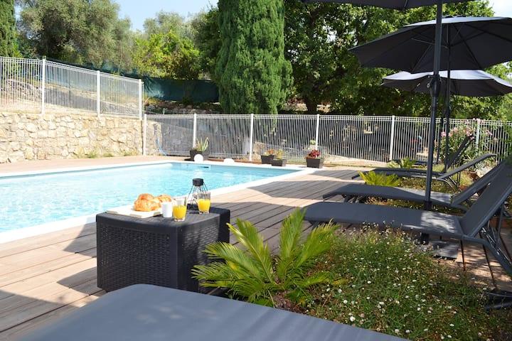 Le Jardin de Lucette, pool, panoramic view