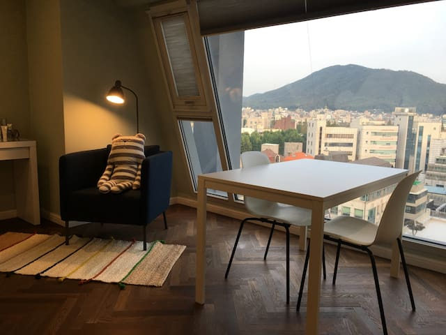 New luxurious studio with great view of the city!