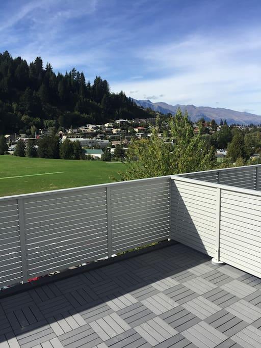 Alpine views, direct view of Coronet Peak from deck.