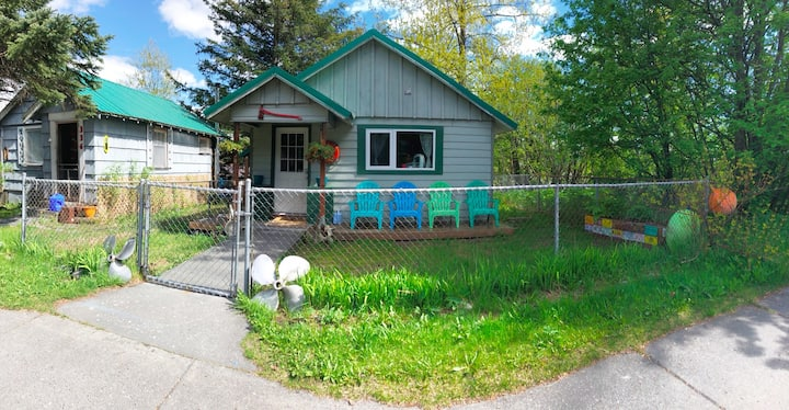 Cozy Downtown Home in the Heart of Seward