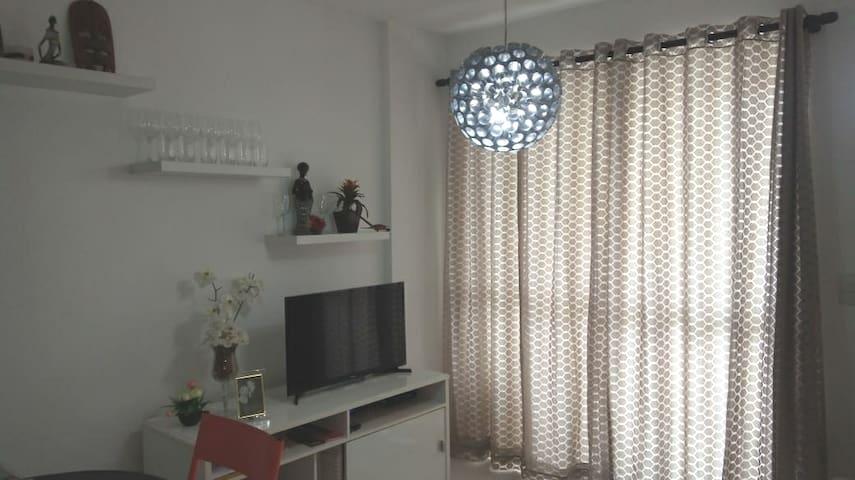 Apto Inteiro-sala-cozinha-suíte-Barra da Tijuca