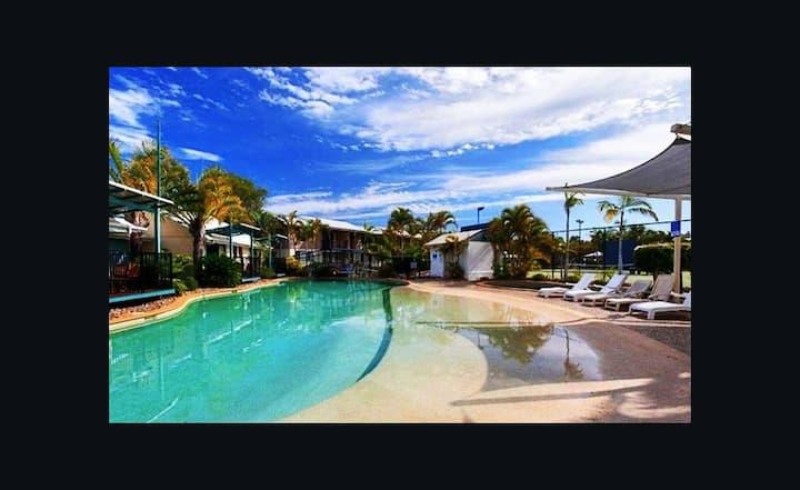 ★Apartment in 4* Resort-pool views-great location★