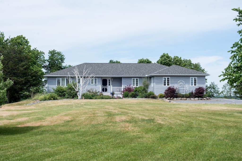 539 County Road 7 - Mandevilla Birch Lane - Prince Edward County Vacation Rental
