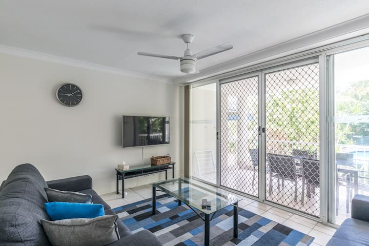 3 BED ROOM GROUND FLOOR 1 CAR SPACE A/C