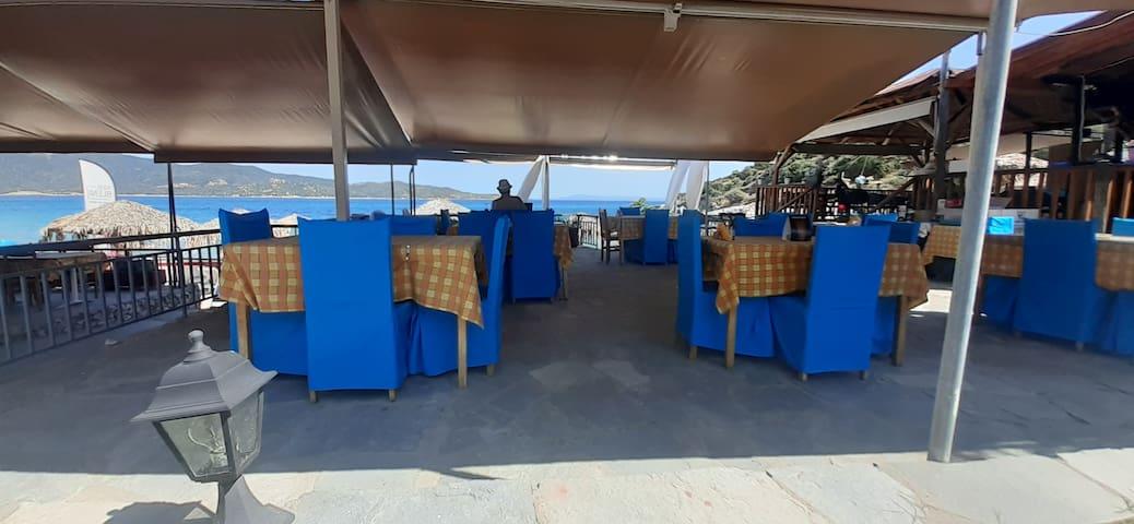 Ammos Tavern Beach Bar