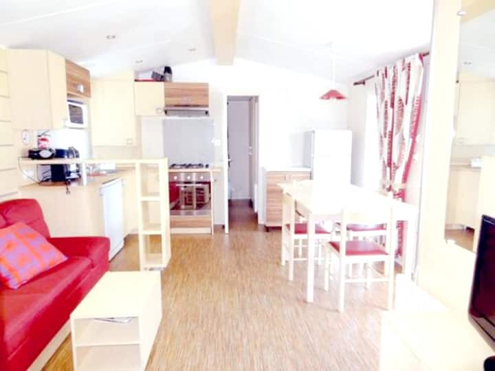 Bungalow with 3 bedrooms in Gastes, with shared pool, furnished garden and WiFi
