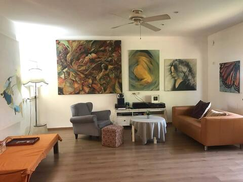 GoART - Friendly art based home with good  energy