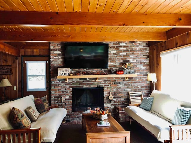 Charming Chalet in the Heart of Shaver + WIFI!