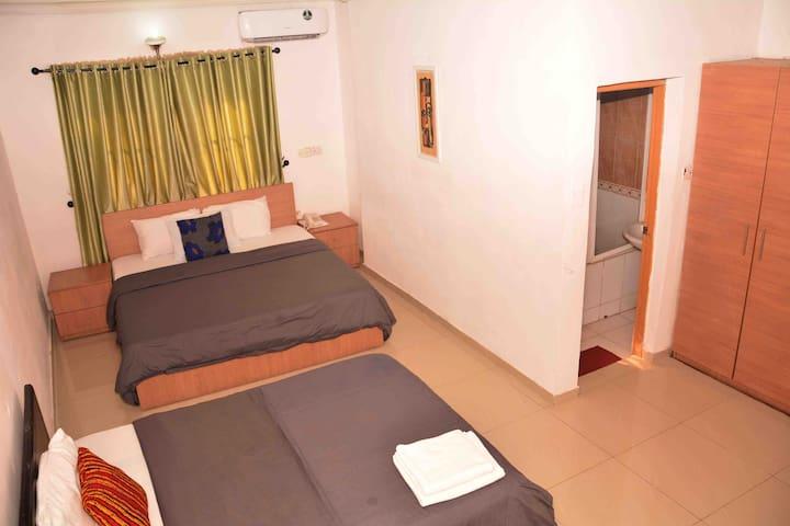 2 Big comfy Beds - Lekki 1 Waterside