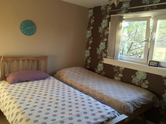 Glasgow City, private room for 1/2 - Glasgow