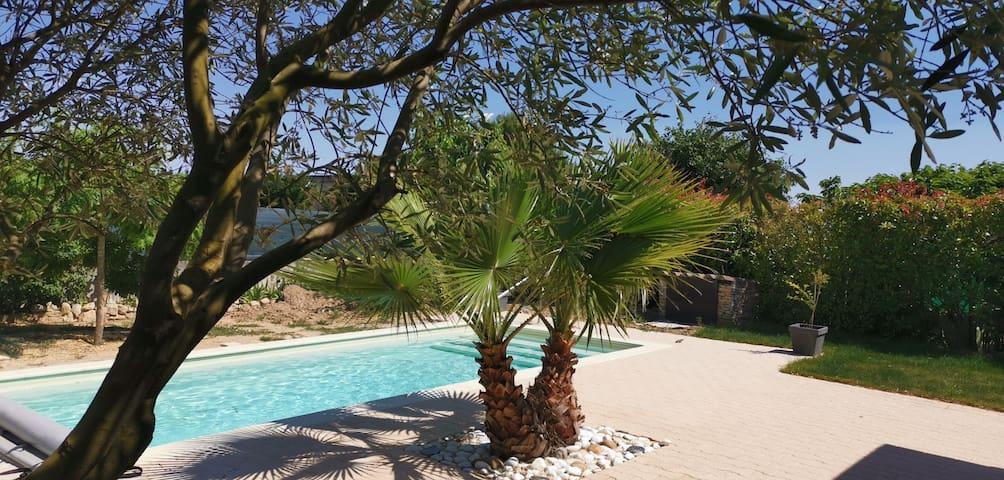 Saint Chaptes (30) Maison avec piscine et clim