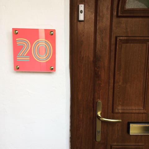 Welcome to No 20