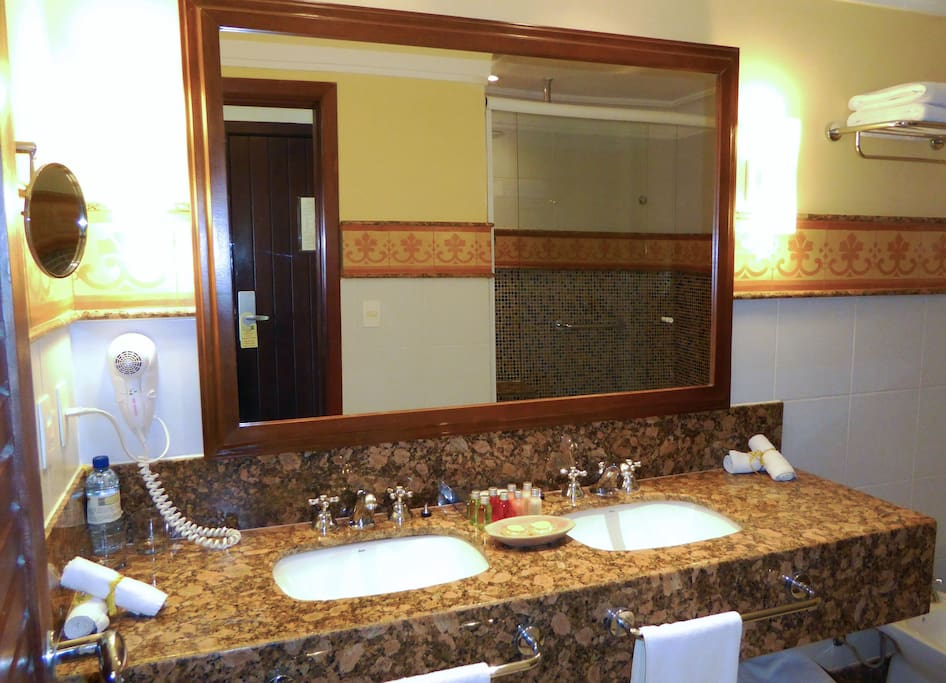 DeLuxe Bathroom with hydromassage column, waterfall and ceiling rain shower