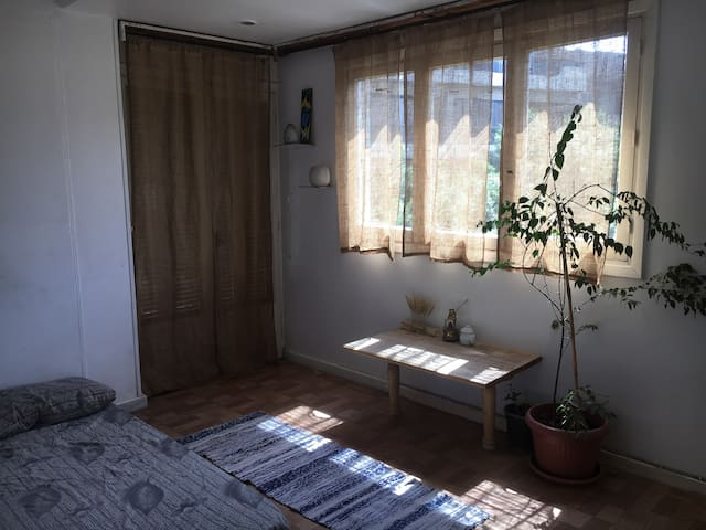 Quiet and sunny private room
