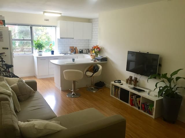 Self contained West Leederville apartment. - West Leederville - Appartement