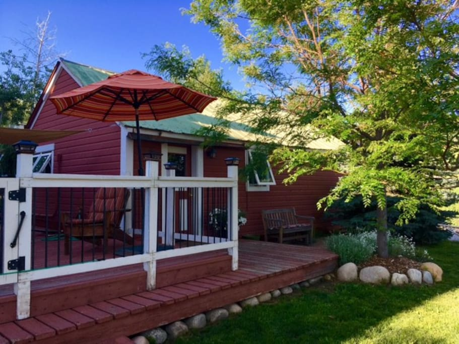 Charming cabin in downtown cabins for rent in steamboat for Cabin rentals steamboat springs co