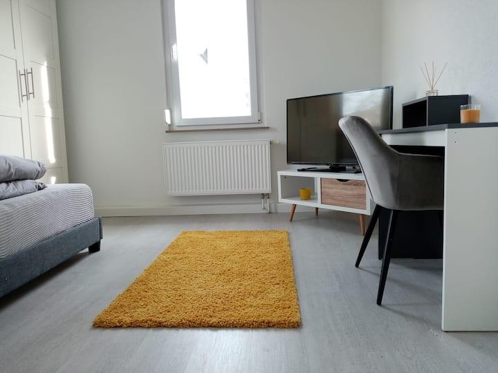Stilvolles & komfortables Apartmentzimmer 2