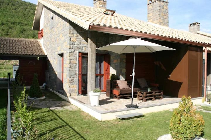 Your house in the Pyrenees Casa Biescas