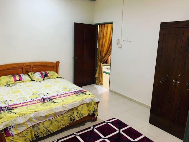 Kluang Homestay Idaman Wan-3min 2 city,Muslim only