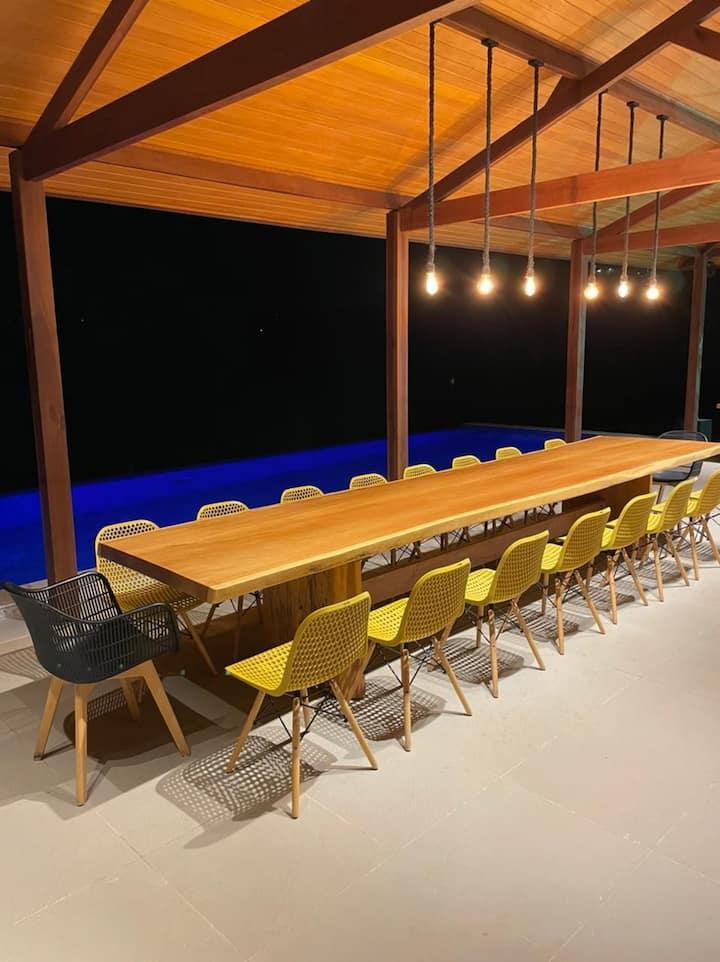 Fazenda completa com 10 suites, a 40km de Recife