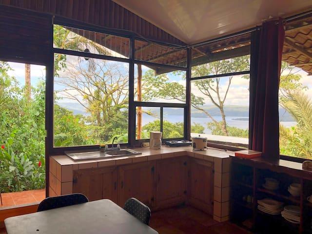 Cabina Rustica cerca del Lago y del Volcán TPL II