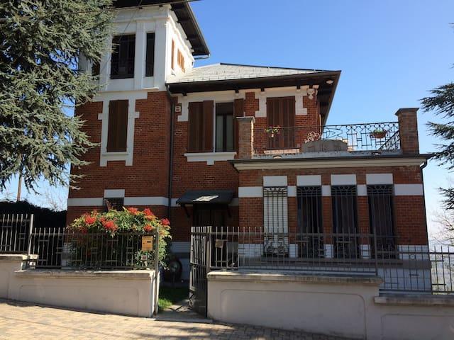 Villa Rina - Camo - บ้าน