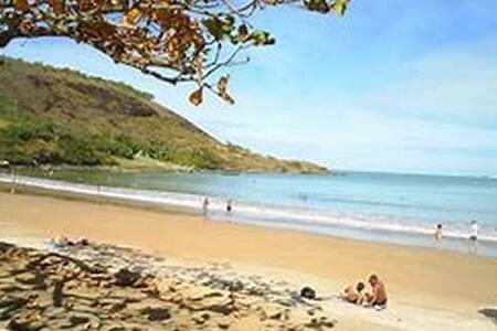 Quitinete na Praia de Santa Mônica Guarapari Es