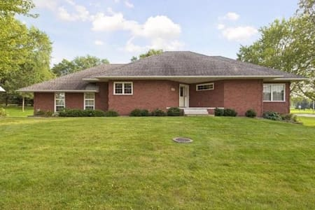Comfortable/Quiet home close to Xcel Energy Cntr! - Oakdale - Ház