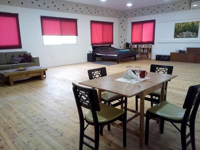 Beautiful Open-plan Studio