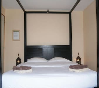 Chambre privee independante, sdb - Touquin - Bed & Breakfast