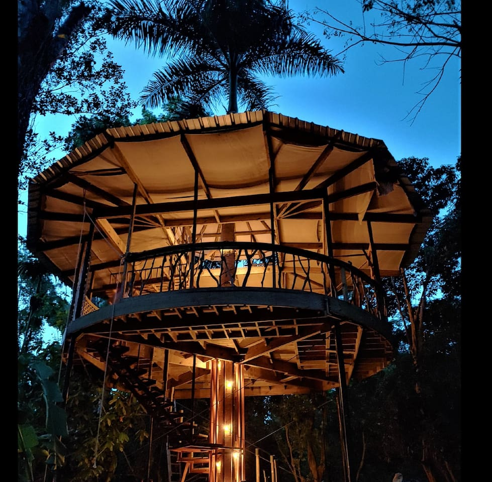 We are now ready to share our beautiful new treehouse!!!