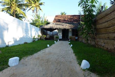 Anusha Villa - Bed & Breakfast