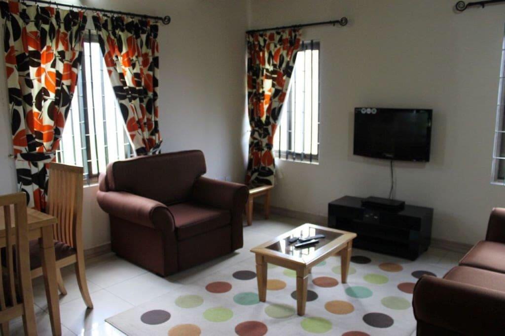 suite 5 Living room