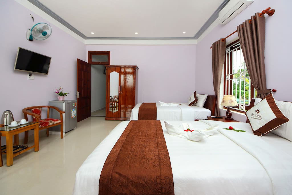 this is deluxe twin beds room with lake view , The room
