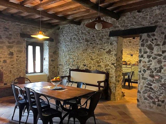 Lo stile ospitale di un borgo sul mare in Calabria