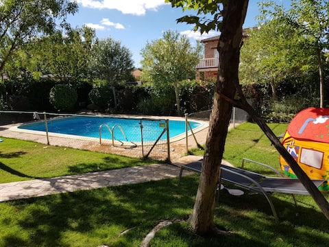 Beautiful house 40 minutes away from Madrid.