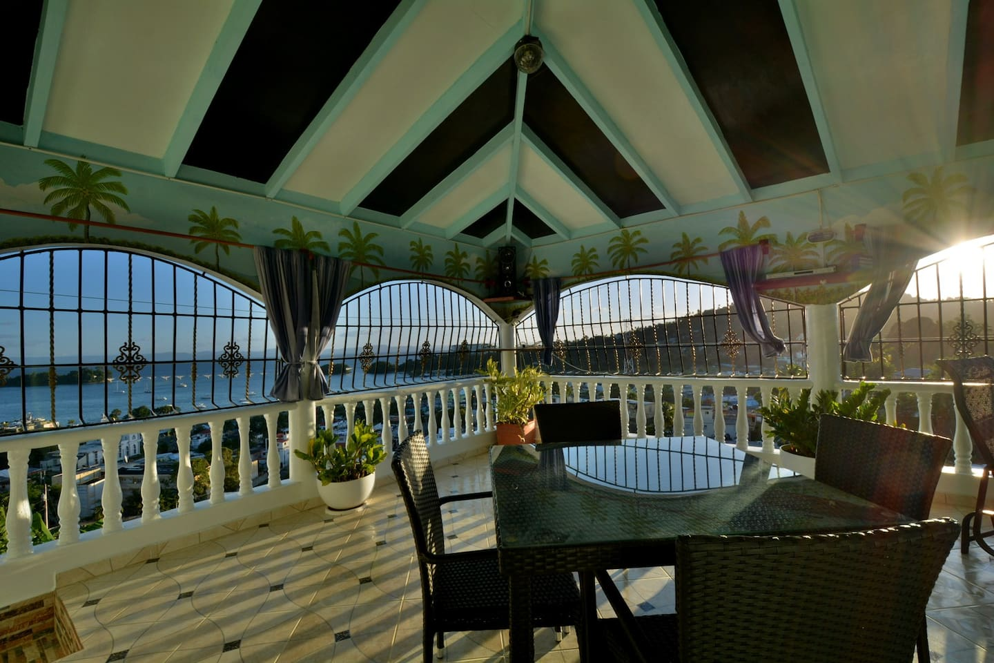 Sea view covered terrace to share with owners