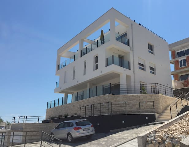 Modern, comfortable apartment on Ciovo (Trogir) - Okrug Gornji - Apartament