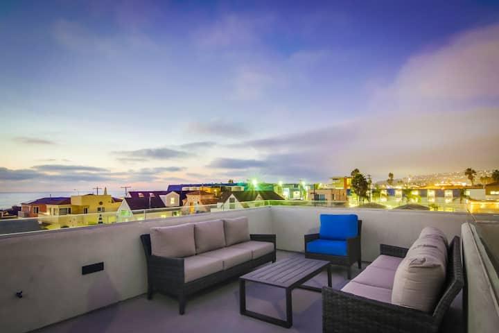 Modern Beach House Steps to Beach w/ Rooftop Deck