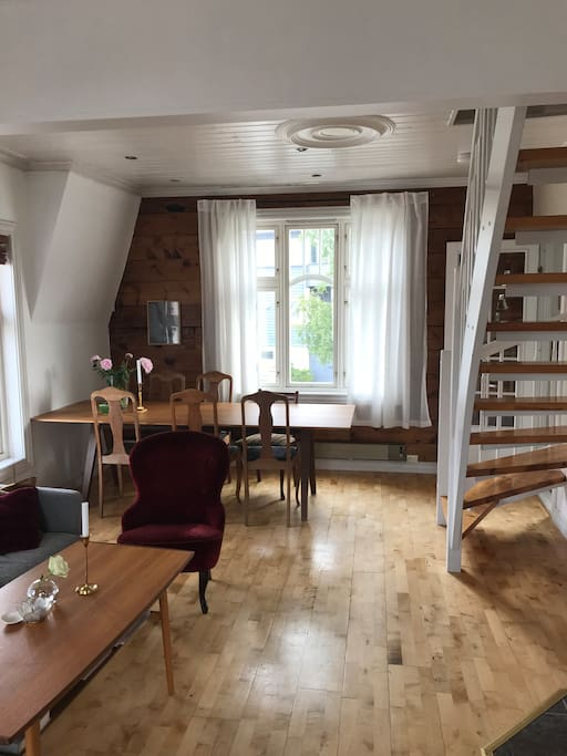 Livingroom with diningtable for 6-8 persons