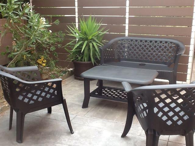 Bas de villa de 80m2 avec terrasse