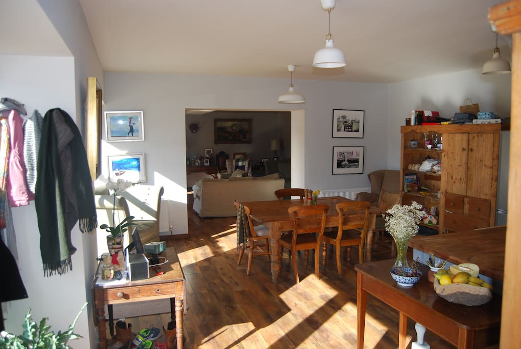 Kitchen & diner connects to sitting room