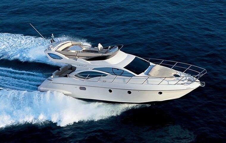 """""""Oceanis"""" Azimut 43 Motor Yacht"""