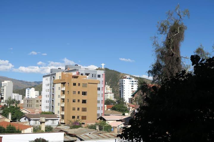 Céntrico y luminoso departamento en Cochabamba - Cochabamba - Flat