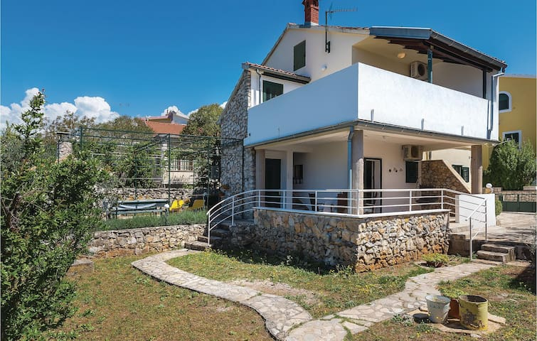 Holiday cottage with 4 bedrooms on 127m² in Zaboric
