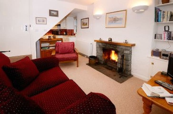 Inglewood Cottage Lounge