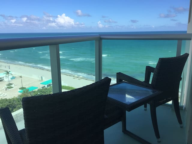 Direct Oceanview 2/2 Beachfront Condo in the Tides